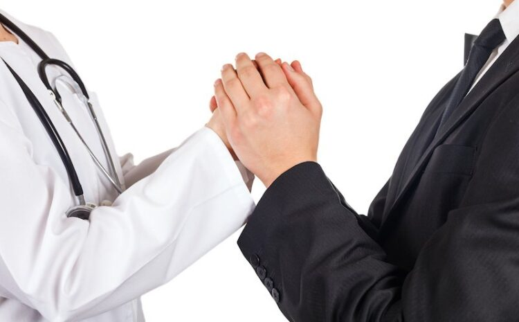 Why 90% Solo Practices Might Outsource Medical Billing Services?